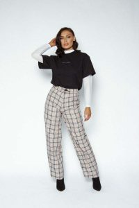 Check trousers1 200x300 - Check-trousers1