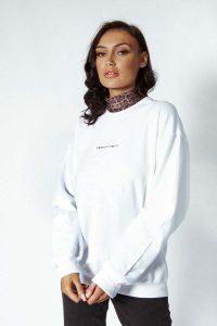 logo sweater white 122 200x300 - logo-sweater-white (122)