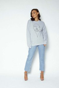 profile sweater 2 200x300 - profile-sweater (2)