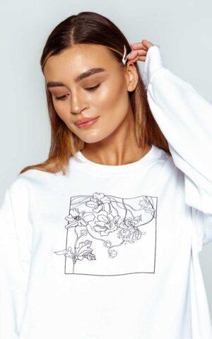 AP ECOM 07 300x480 - Floral Box Sweatshirt