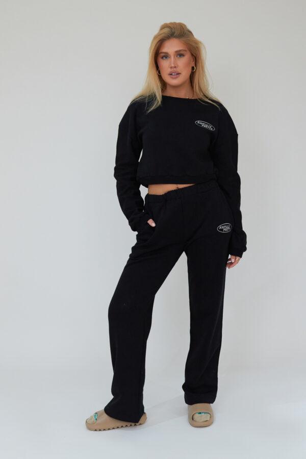 Awfully Pretty0017 1 600x900 - AP Oval Cropped Sweatshirt in Black