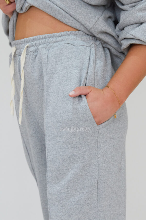 Awfully Pretty0038 2 600x900 - Pintuck Straight Joggers in Grey
