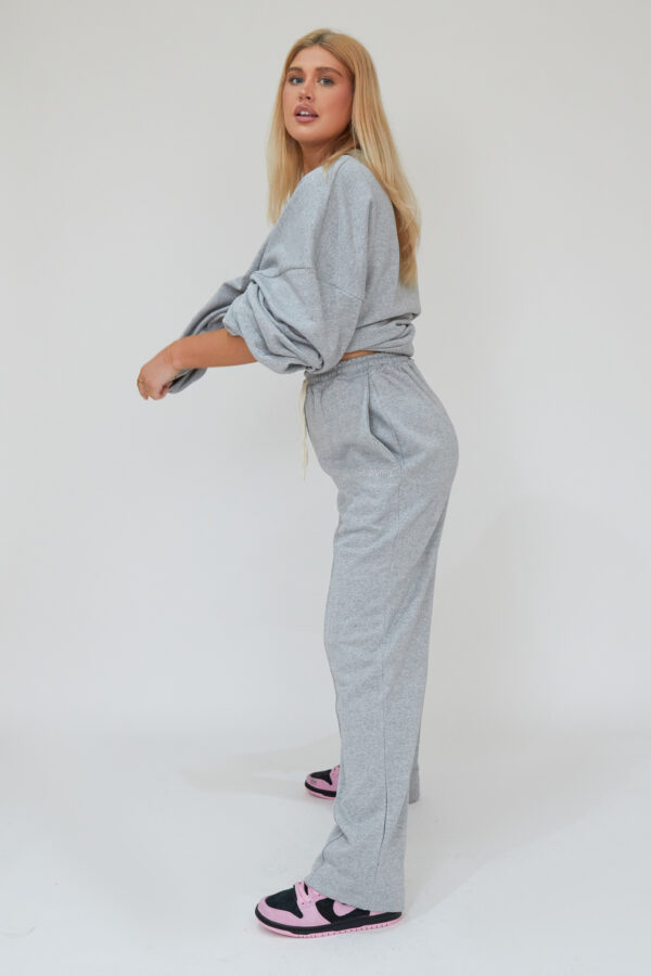 Awfully Pretty0047 2 600x900 - Oversized Jumper Dress in Grey