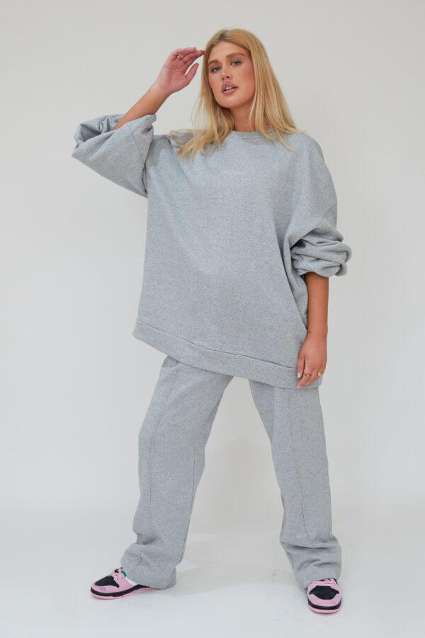 Awfully Pretty0053 2 600x900 - Oversized Jumper Dress in Grey