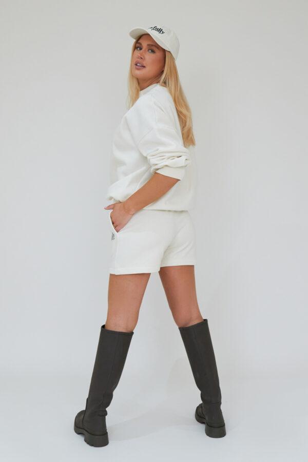 Awfully Pretty0129 1 600x900 - AP Contrast Shorts in Ecru
