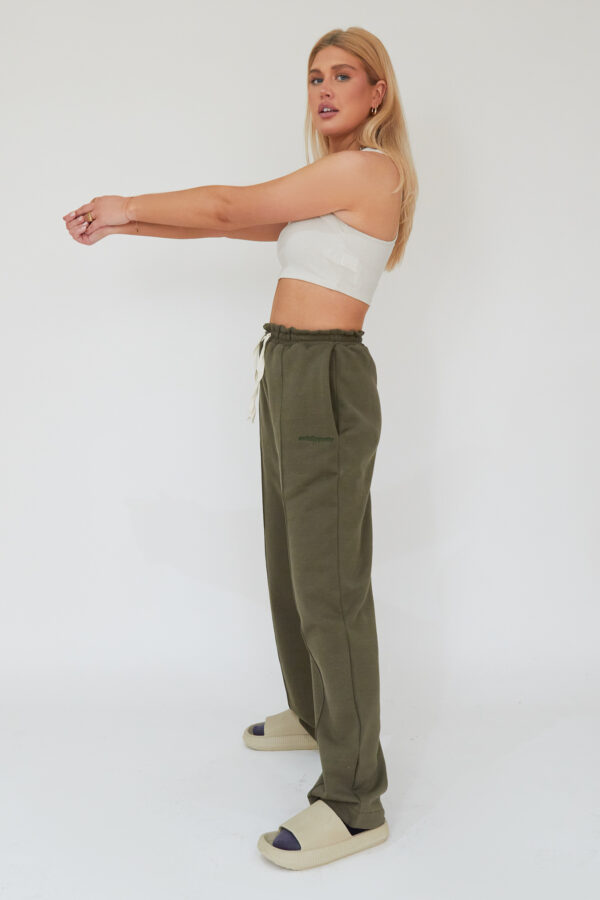 Awfully Pretty0198 1 600x900 - Pintuck Straight Joggers in Khaki