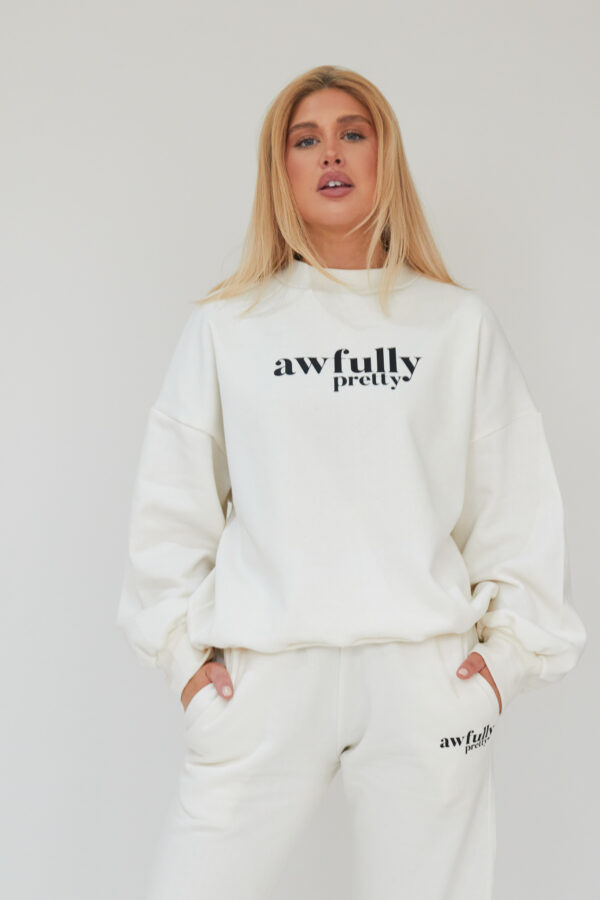 Awfully Pretty0219 600x900 - AP Contrast Sweatshirt in Ecru