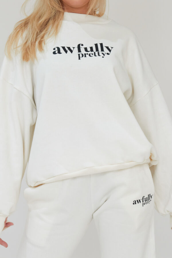 Awfully Pretty0242 600x900 - AP Contrast Sweatshirt in Ecru