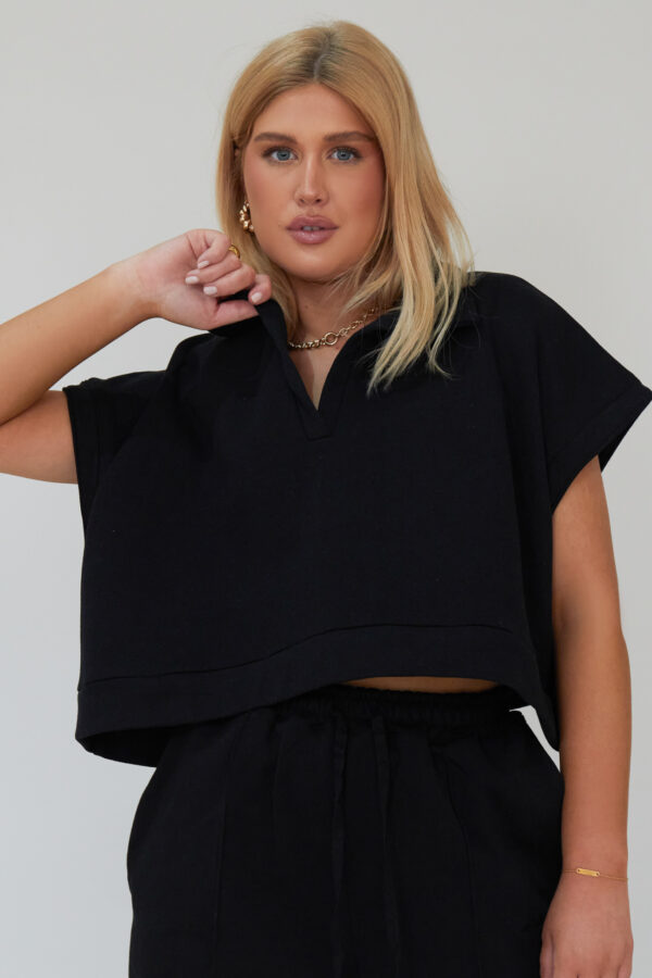 Awfully Pretty0339 1 600x900 - Oversized Polo Vest in Black