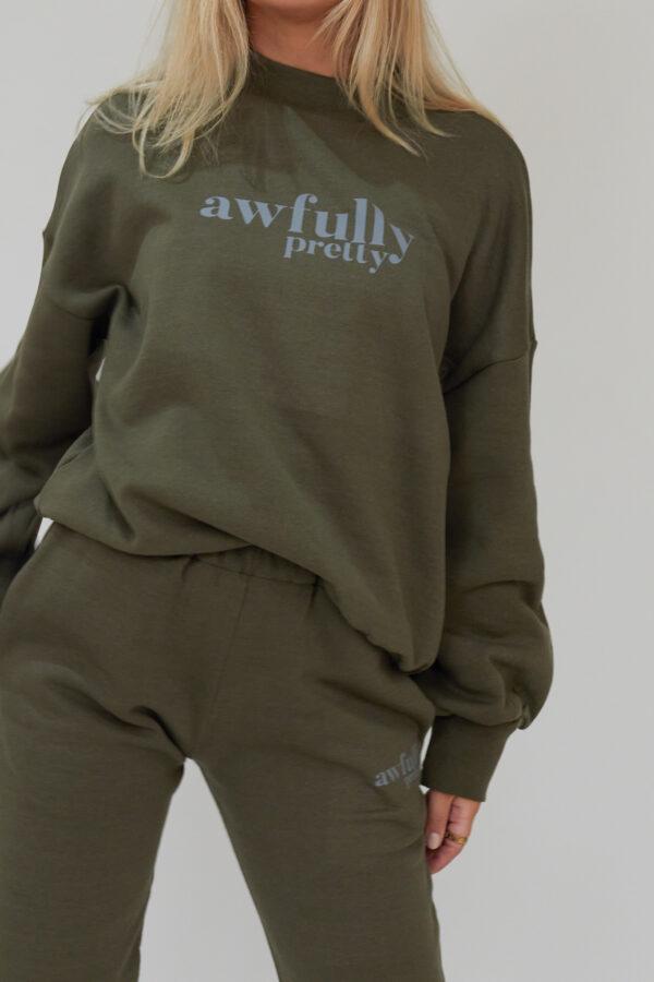 Awfully Pretty0467 600x900 - AP Contrast Sweatshirt in Khaki