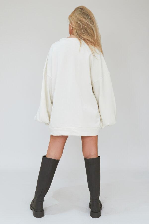Awfully Pretty0551 600x900 - Oversized Jumper Dress in Ecru