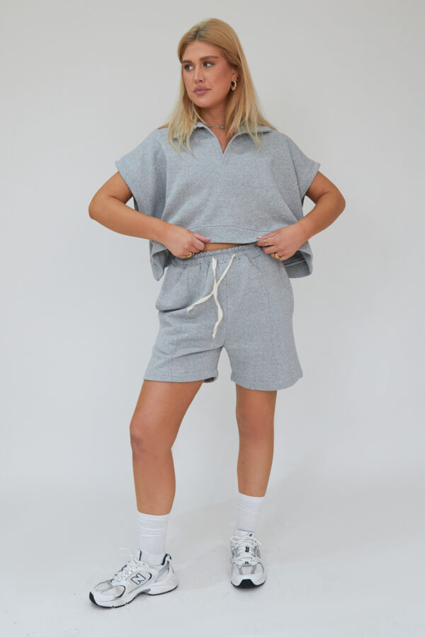Awfully Pretty0648 600x900 - Oversized Polo Vest in Grey