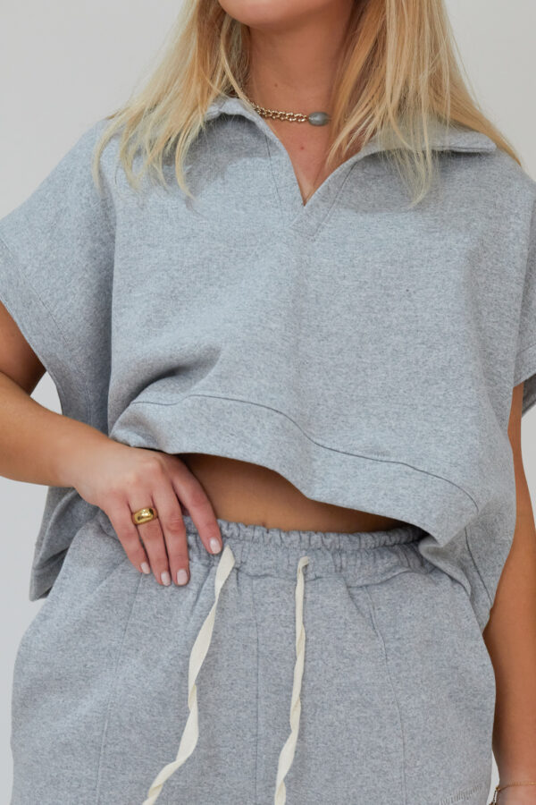 Awfully Pretty0651 600x900 - Oversized Polo Vest in Grey