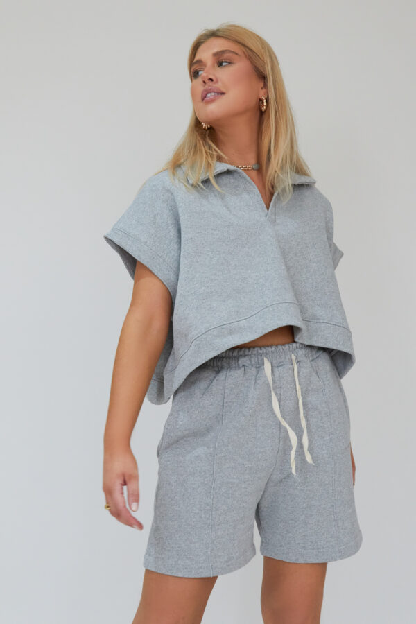 Awfully Pretty0655 600x900 - Oversized Polo Vest in Grey