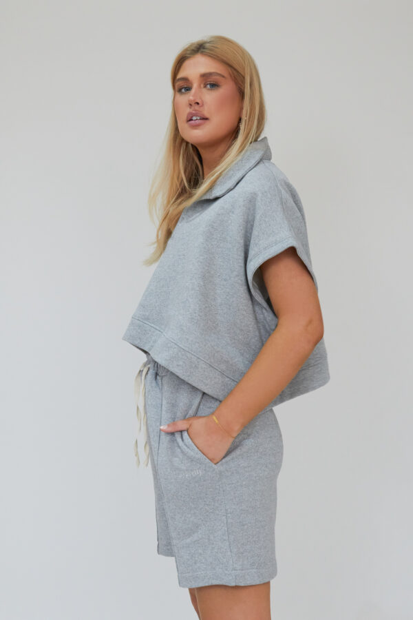 Awfully Pretty0661 600x900 - Oversized Polo Vest in Grey
