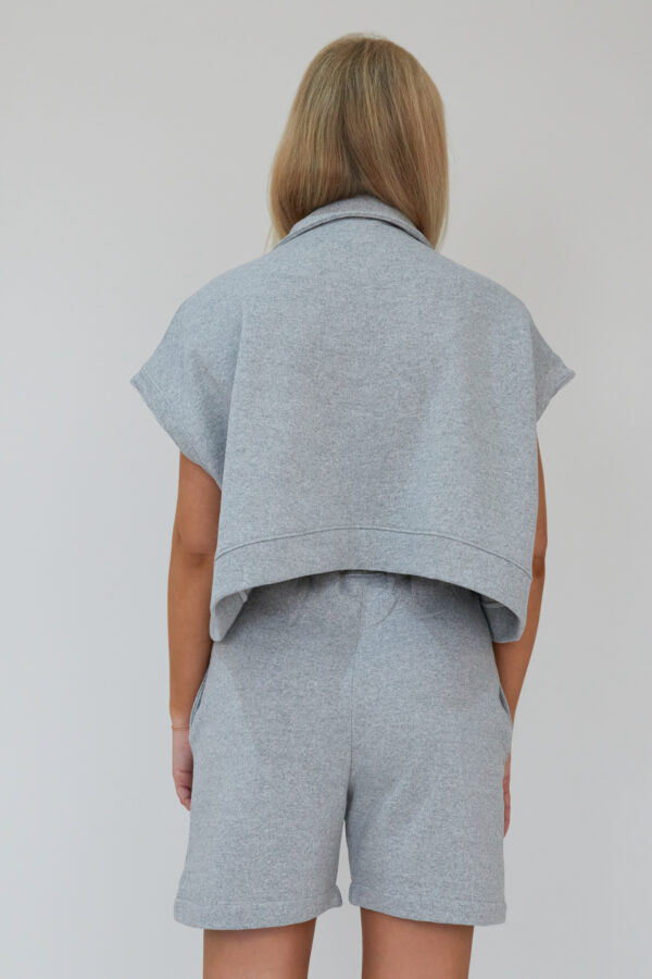 Awfully Pretty0667 600x900 - Oversized Polo Vest in Grey
