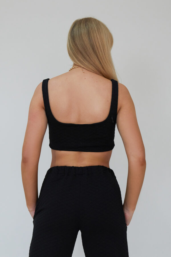 Awfully Pretty0835 600x900 - Crop Top In Black