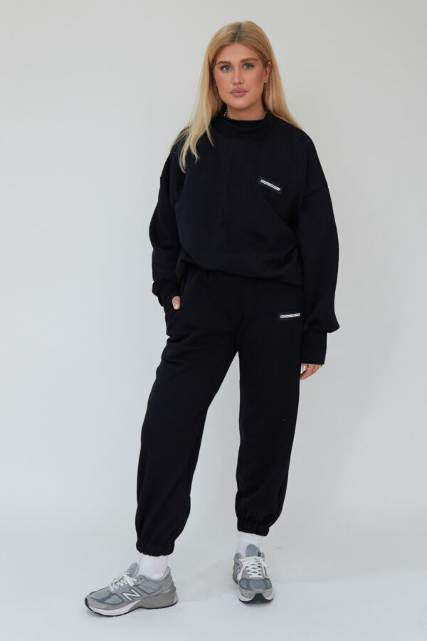 Awfully Pretty0918 600x900 - Essential Jogger in Black