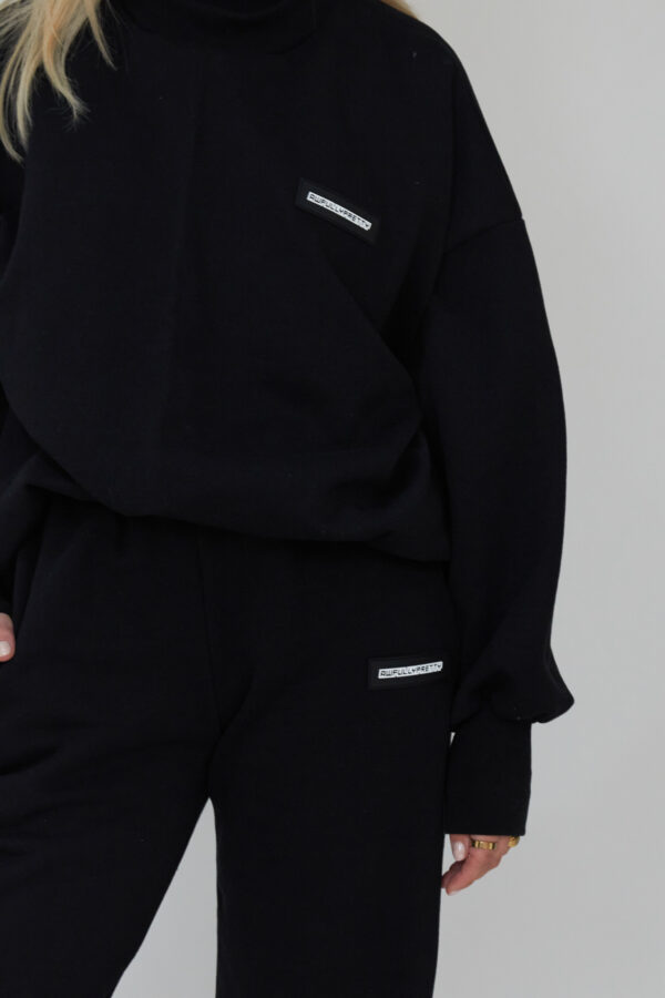 Awfully Pretty0921 600x900 - Essential Jogger in Black