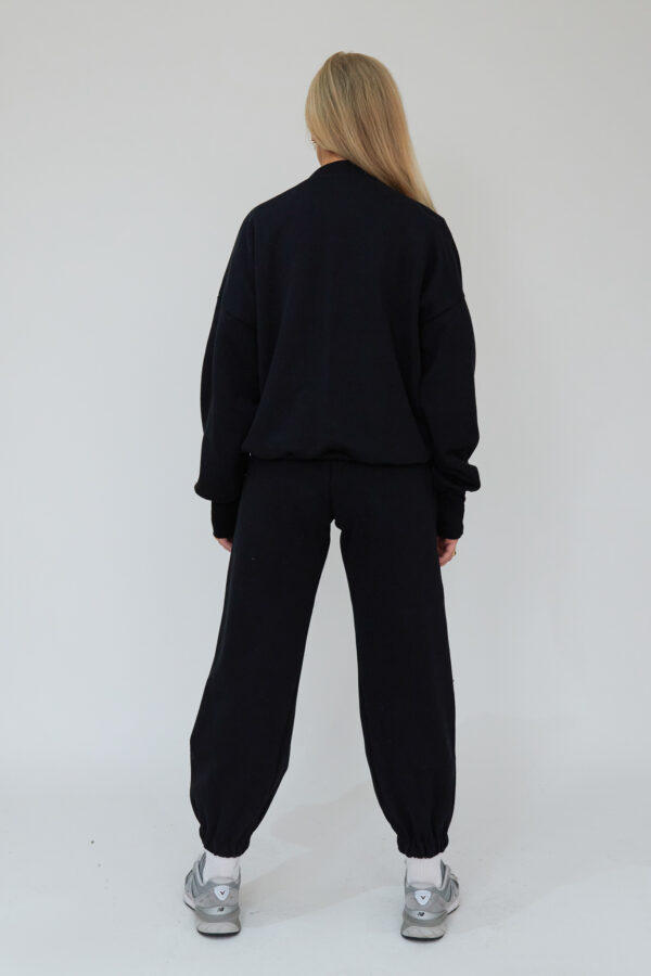 Awfully Pretty0931 600x900 - Essential Jogger in Black